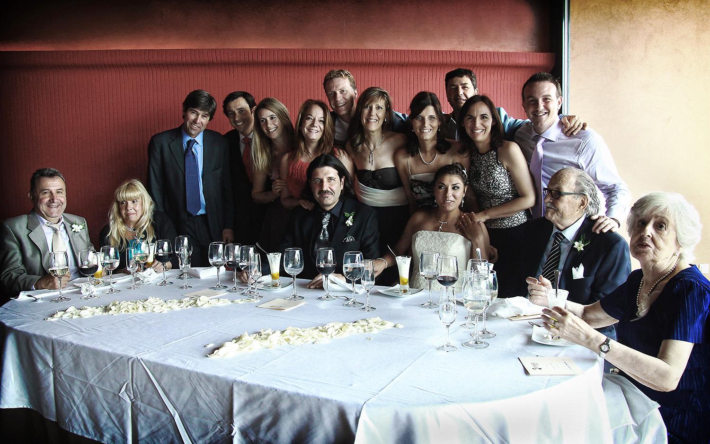 boda retrato familia mesa